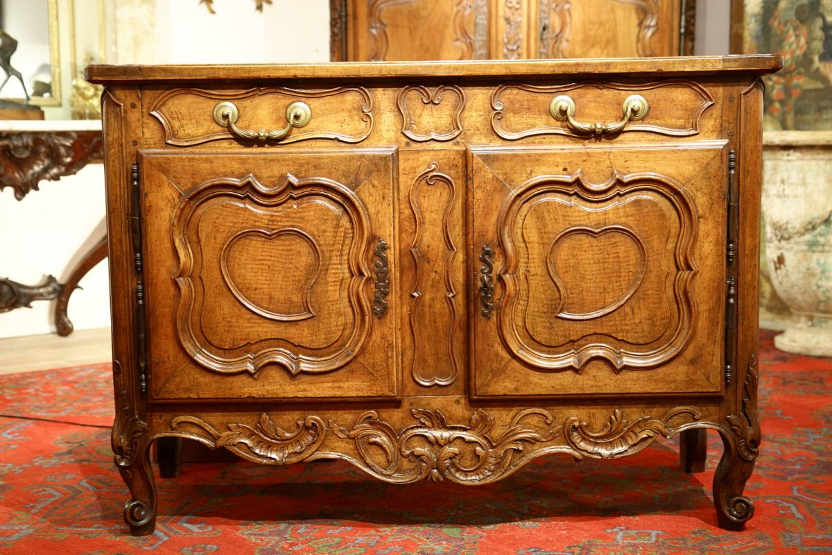 18thc louis xv credence sideboard from provence for Sideboard 3m lang