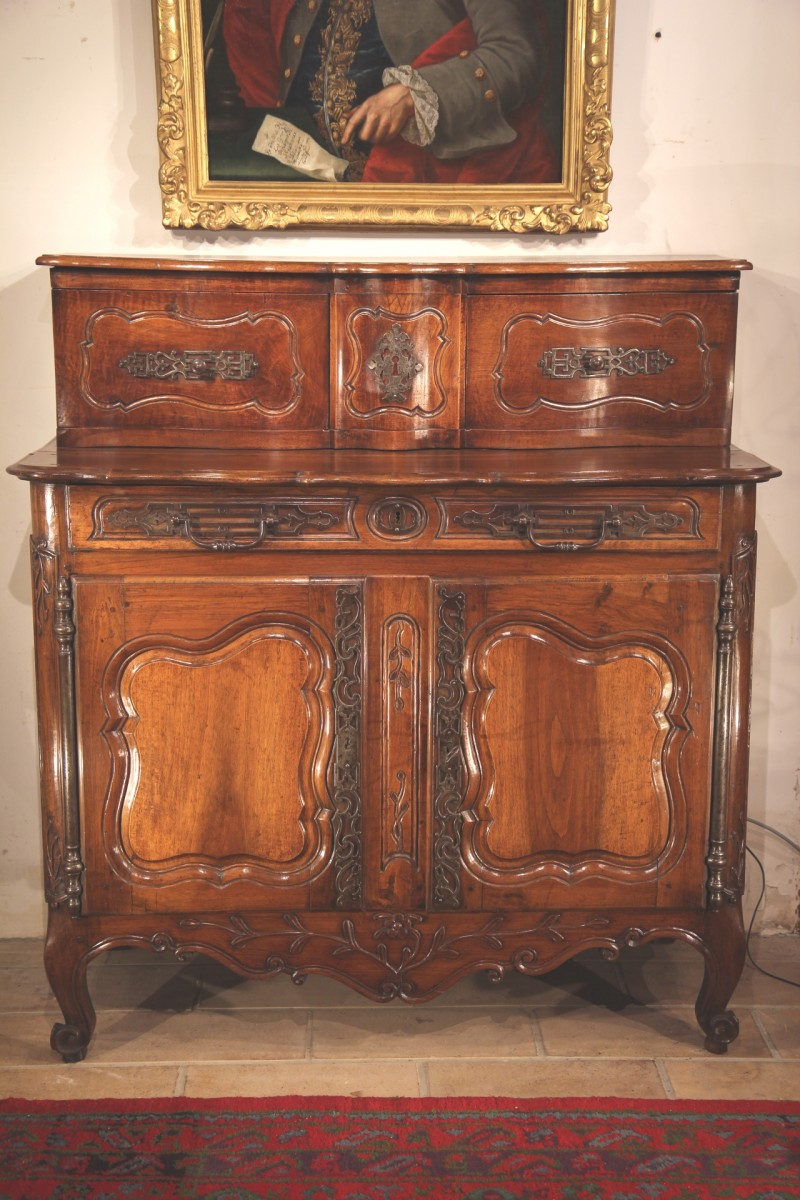 18th c louis xv buffet with sliding doors upper part provence. Black Bedroom Furniture Sets. Home Design Ideas